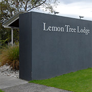 Entrance . Lemon Tree Lodge